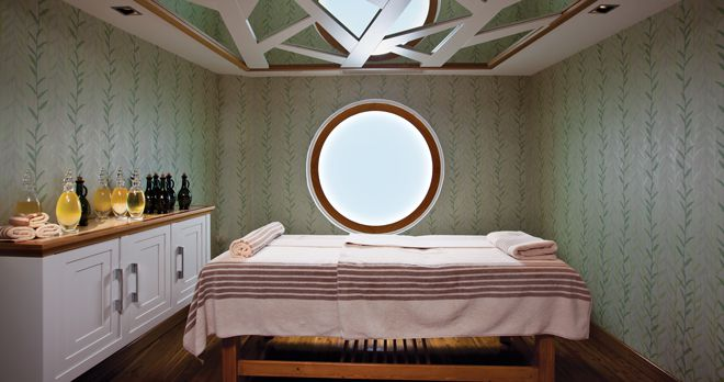 Cornelia De Luxe Resort Crassula